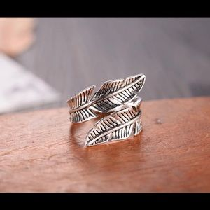 Jewelry - 🌼Vintage feather ring 925 sterling silver